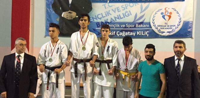 Karatede ikincilik kürsüsü Yıldırım Belediyespor'un…