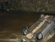 Alkollü Sürücünün Kullandığı Otomobil Dereye Uçtu: 2 Yaralı
